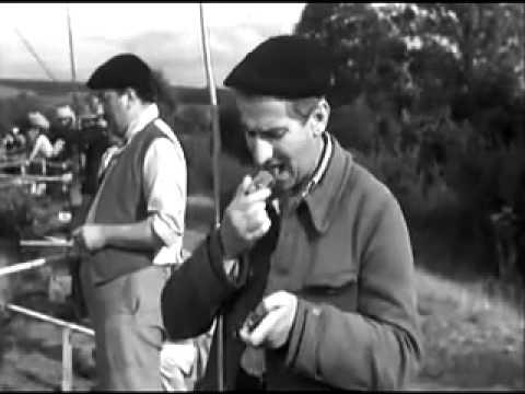 Луи де Фюнес на соревнованиях по рыбной ловле Отрывок из кинофильма Не пойман не вор