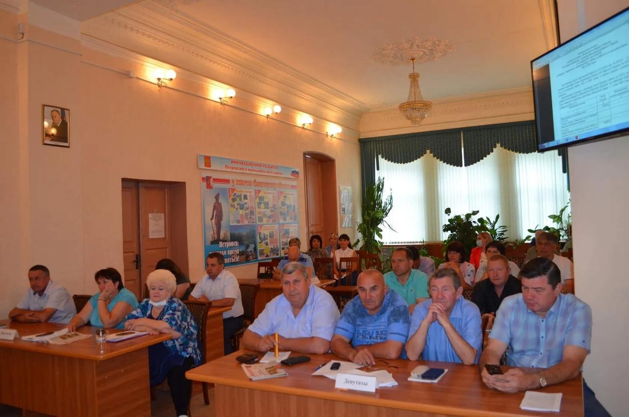 Депутаты Петровского районного Собрания провели плановое заседание