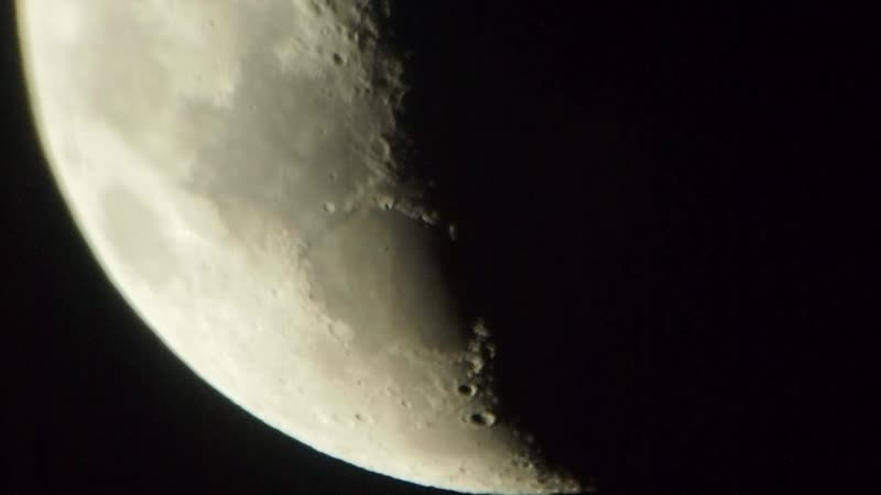 Moon Olympus E PM1 H 2 18mm f 1 4 2X Barlow Lens D=114 f=500
