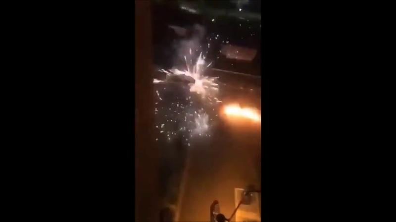 Französische Polizei versucht Regeln NoGoZone durchzusetzen Jugendbande verjagt sie mit Feuerwerk