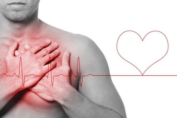 5 тревожных признаков неправильной работы сердца 1. Боль, которая отдает в руку.Многие мужчины испытывают боль, отдающую в левую руку, а женщины - в левую или обе руки. Некоторые пациентки
