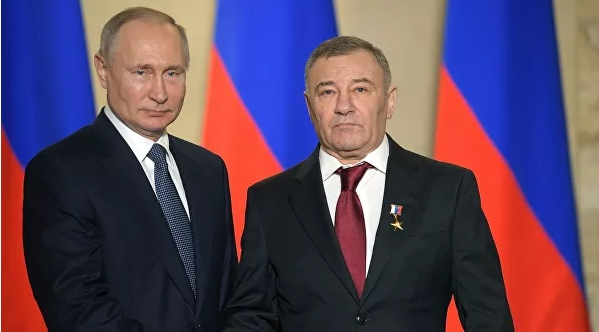 Путин вручил награды строителям Крымского моста