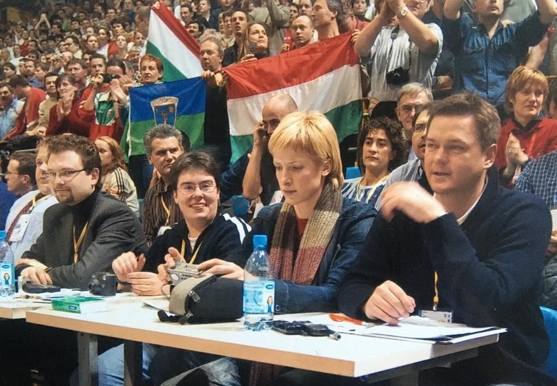 С Надеждой. Чемпионские мемуары. Одноцветный Загреб и шарф в полоску, изображение №6