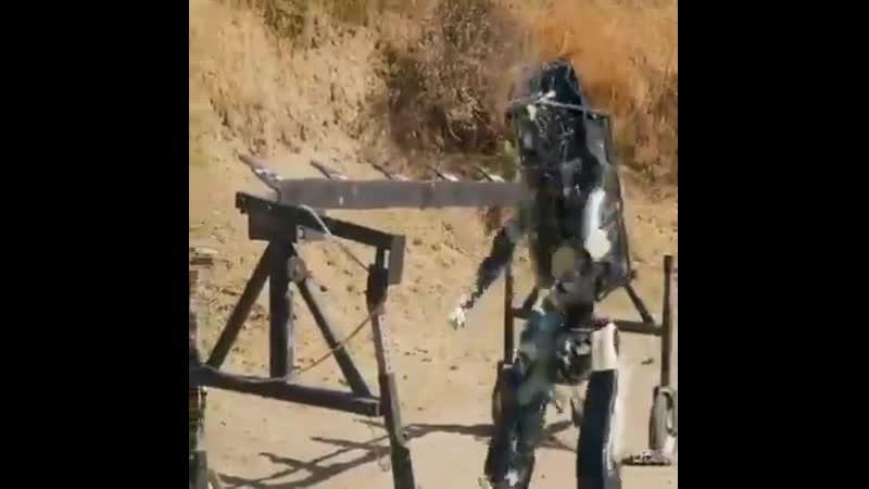 Boston Dynamics обучает боевых роботов для действий в горячих точках