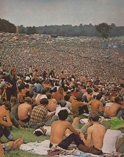 Масштабы фестиваля Вудсток на одном фото.