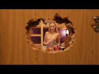 [FakeHostel] Jenny Wild - Stuck In A Door NewPorn