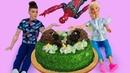 Новое видео куклы – Торт для игрушек! Барби и Человек Паук в видео игре онлайн. Мультики для девочек