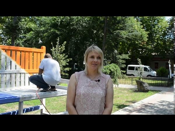 В Симферополе Миранда медиа отреставрировала гигантскую скамейку