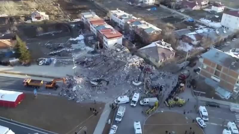 Последствия смертоносного землетрясения силой 6,8 балла на востоке