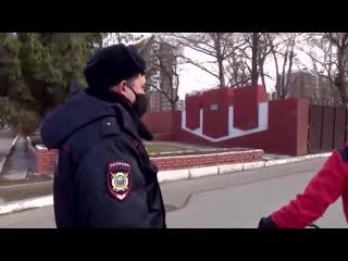 Мужчина из Казани уехал на велосипеде, как только его жену спросили об СМС-оповещении [NR]