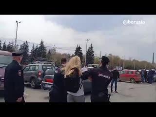 Задержание митингующих в Красноярске