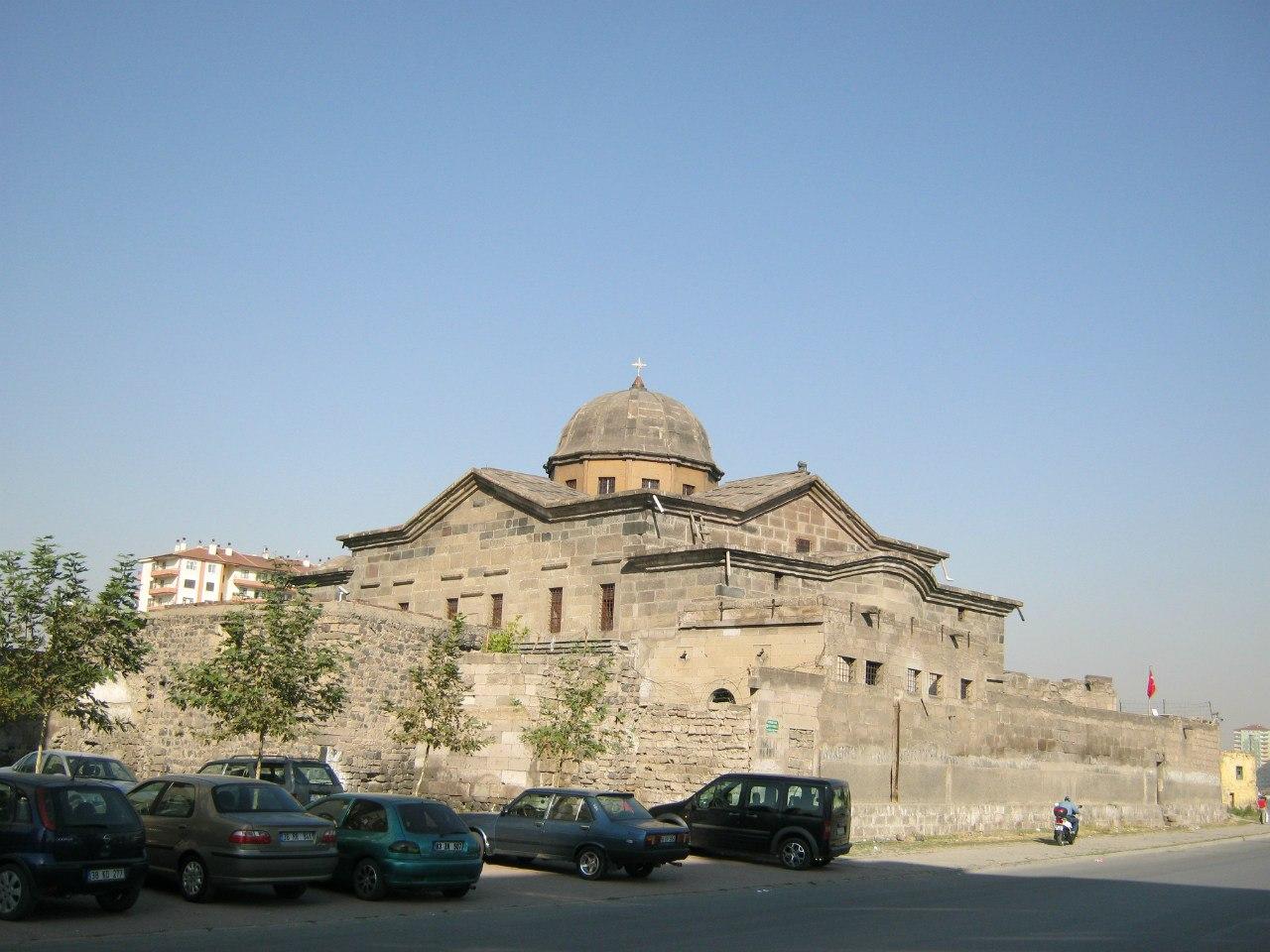 служба в армянской церкви в Кайсери