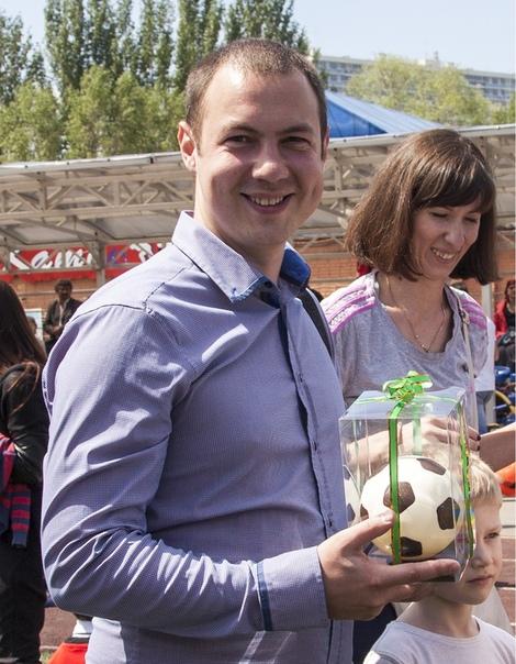 Друзья! Сегодня отмечает свой День Рождения директор Школы Футбола Like - Смена в Самаре Сергей Коршунов!