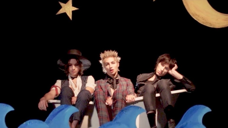 PALAYE ROYALE Dying In A Hot Tub Official Music Video
