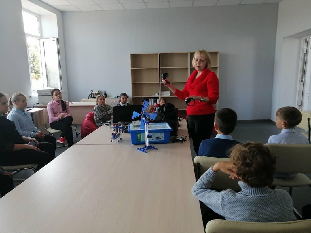 В Центре образования цифрового и гуманитарного профилей «Точка роста» школы №1 Петровска начались регулярные занятия с учащимися