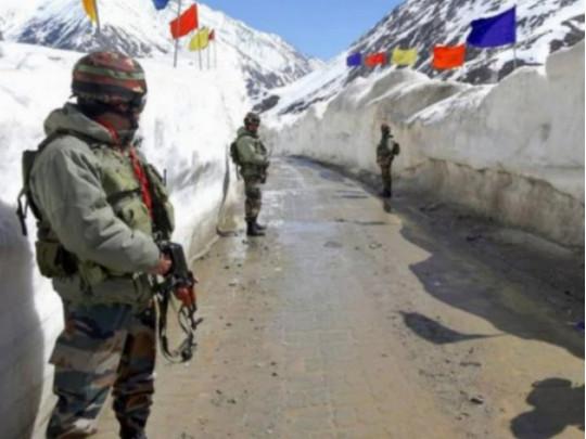 Минобороны Китая обвинило индийских военных в пересечении границы и подготовке нападения Официальный представитель ведомства сообщил, что это привело к ожесточенной рукопашной схватке, что