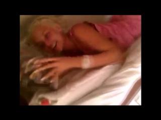 эротика фильмы где жена трахает друга мужа