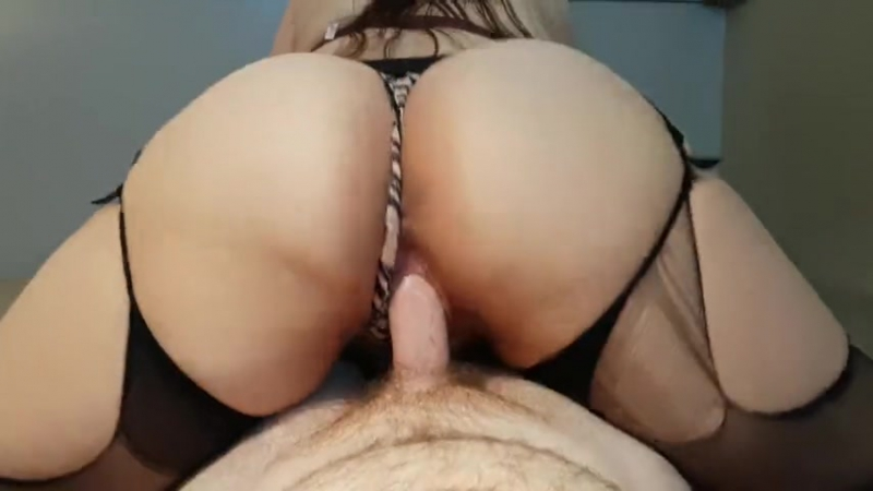 THICK BOOTY AMATEUR BRUNETTE RIDES AND CUMS ON COCK TO EARN DEEP CREAMPIE big ass butts booty tits boobs bbw