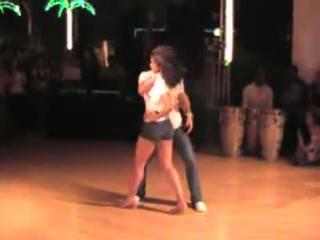 Нереально сексуальный танец