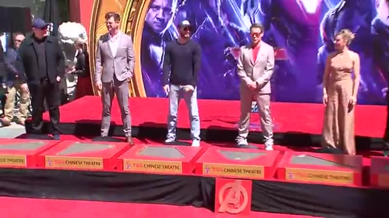 Видео с церемонии у Китайского театра Граумана