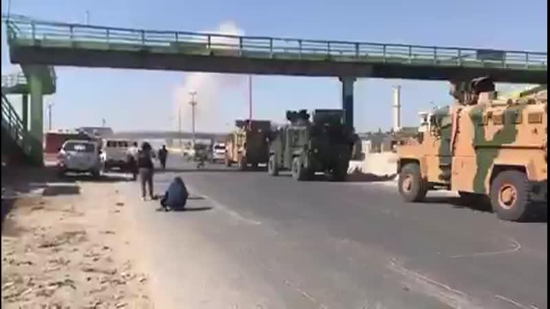 Турецкий конвой остановленный поражением головной машины террористов 19 августа 2014