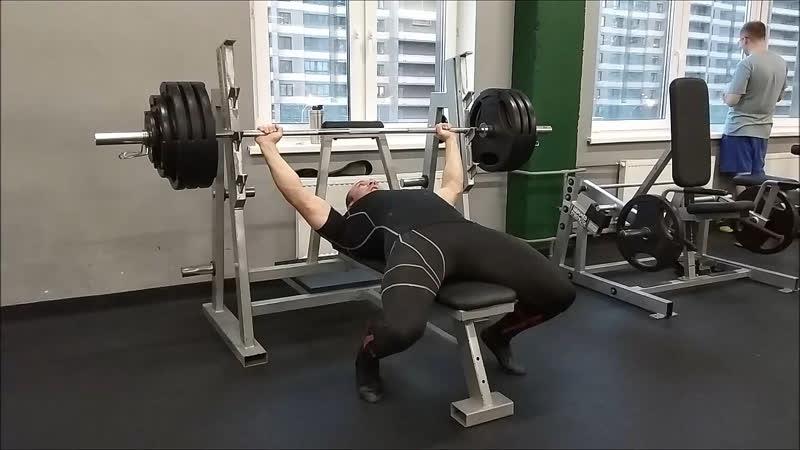 Жим лёжа 165-175-180 кг 20.04.2019 года.