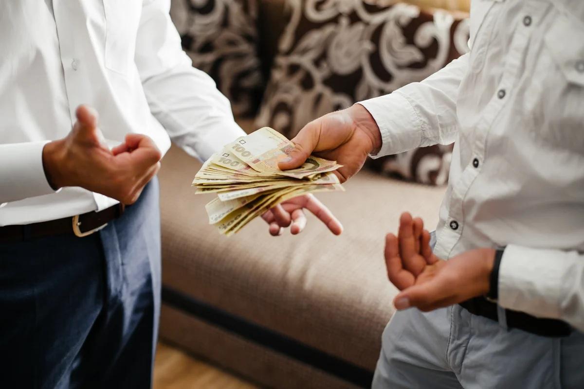 сразу картинка деньги и друзья основные характеристики свиней