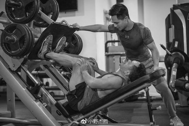 Вот что бывает, когда работаешь над собой! Пример китайской семьи которая изменила свою жизнь с помощью