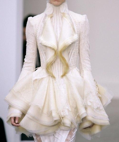 #Детали_моды: белая роскошь