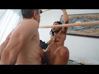 ] Sommer Isabella (Top Heavy) [, Average Body, Bald Pussy, Black Hair, Ebony, Feet, Leggings, Massage - HD