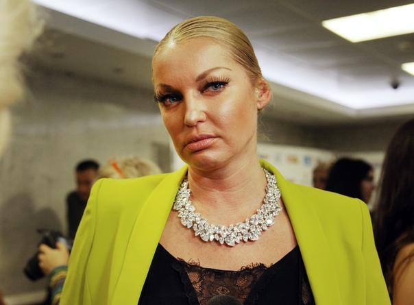 У нас полстраны бухает и ничего. Волочкова ответила на слухи об алкоголизме: Балерина Анастасия Волочкова ответила фанатам, которые подозревают её в алкоголизме. По её словам, пьющий человек