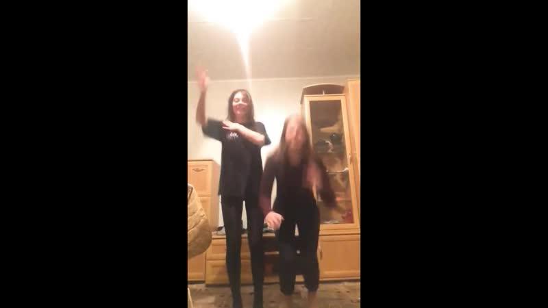 Озорные девчонки live школьницы юные милые стройные леггинсы джинсы girls schoolgirls young teen slim jeans leggings dancing