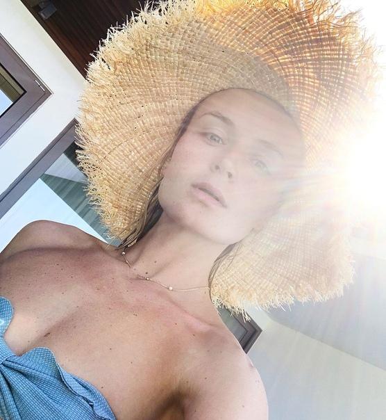 Полина Гагарина опубликовала фото без макияжа!