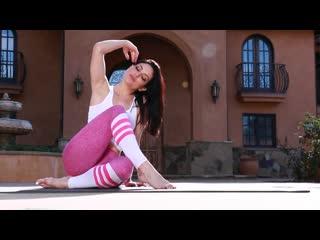 Gina Valentina Carmen Caliente Skylar Snow Kissa Sins [порно, HD 1080, секс, POVD, Brazzers, +18, home, шлюха,  big ass, sex,]