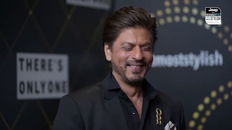 Here's how all the female attention to Shah Rukh Khan affects Gauri Khan