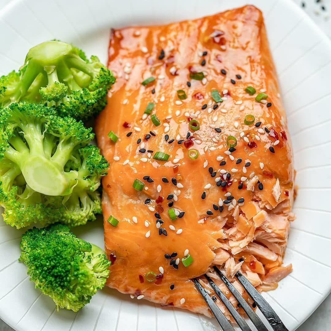 Запеченный лосось в сладко-остром соусе