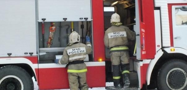 Вчера в Бузулуке полыхала баня и едва не сгорел домОба по...