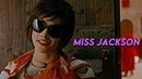 ● Alice Cullen   Miss Jackson