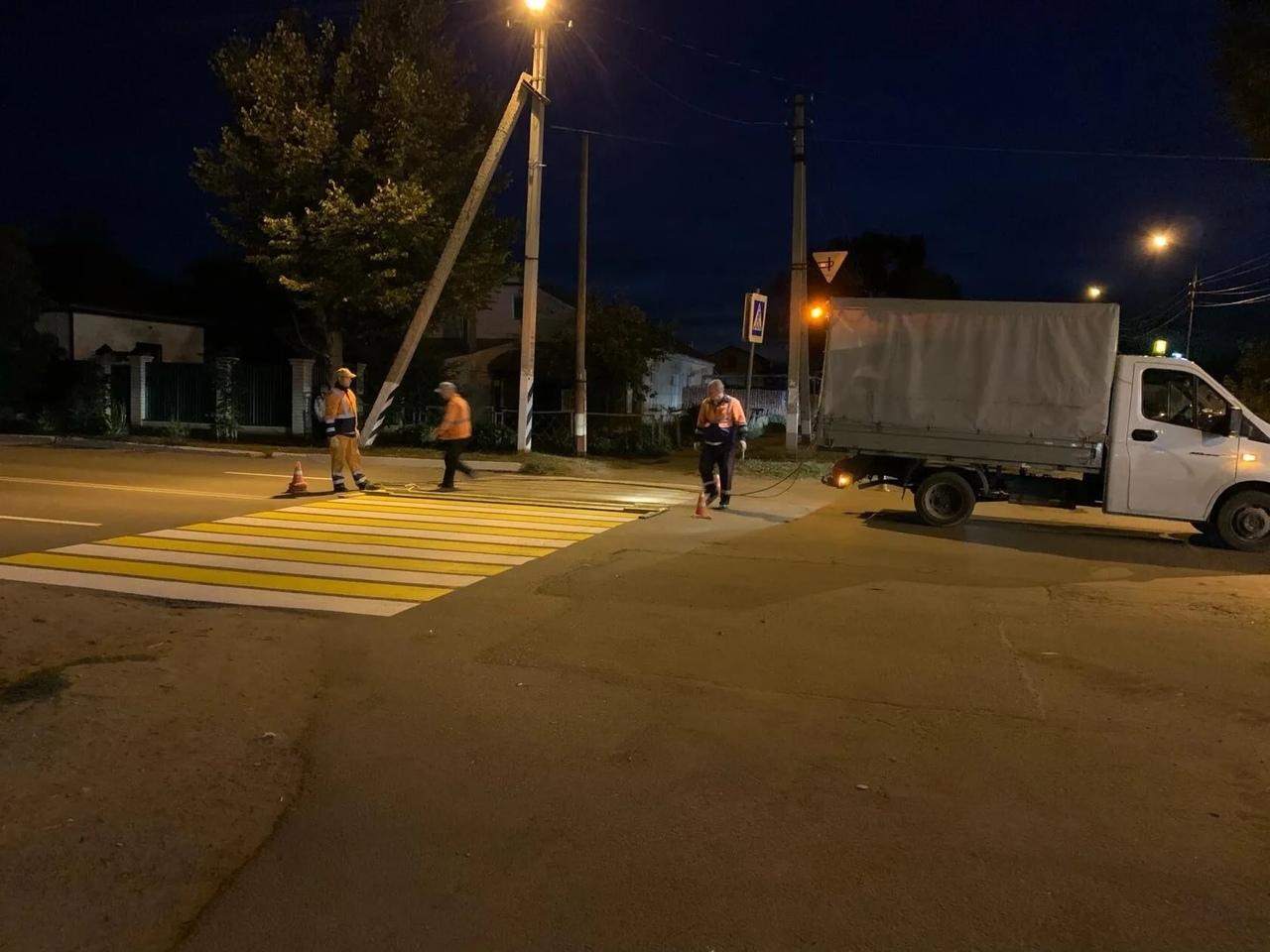 На улицах Петровска ведутся работы по нанесению дорожной разметки