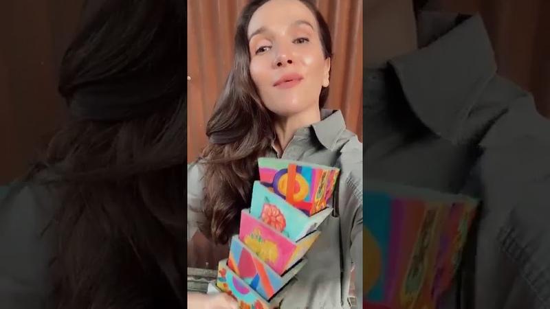 Natalia Oreiro también está con el mundo de colores de Anibal Barrios
