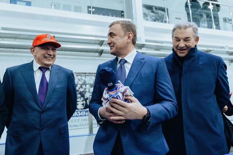 В центре — губернатор Тульской области Алексей Дюмин