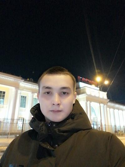 Денис, 22, Magistral'nyy