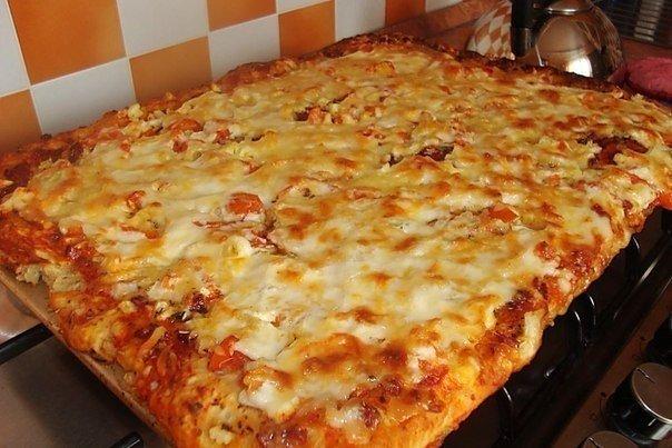 Очень вкусная и быстрая пицца на противне