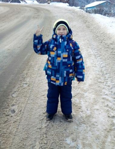 У ребёнка не было шансов выжить Всего неделю назад Владик Диканев восьми лет отроду из села Кормовище Пермского края пошёл в третий класс. А вчера, 9 сентября, мальчик, играя, залез на